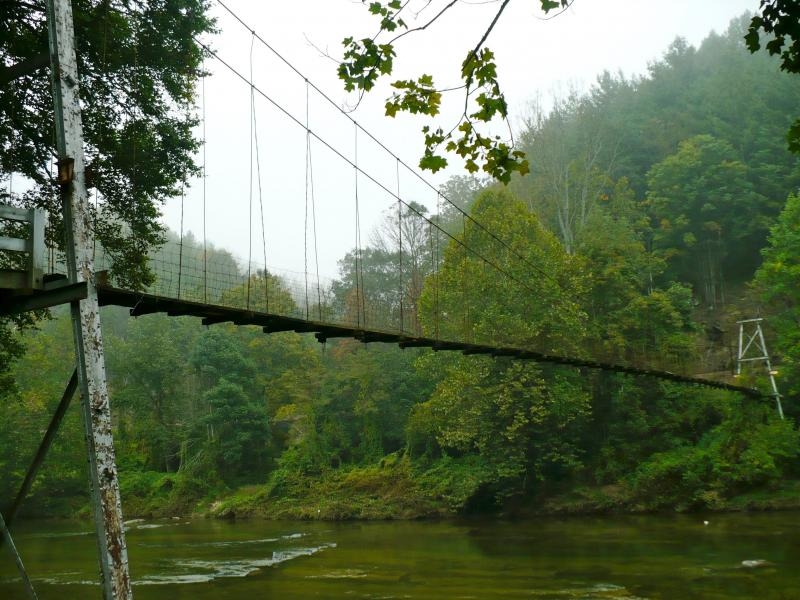 High Peaks Stroll to Swinging Footbridges