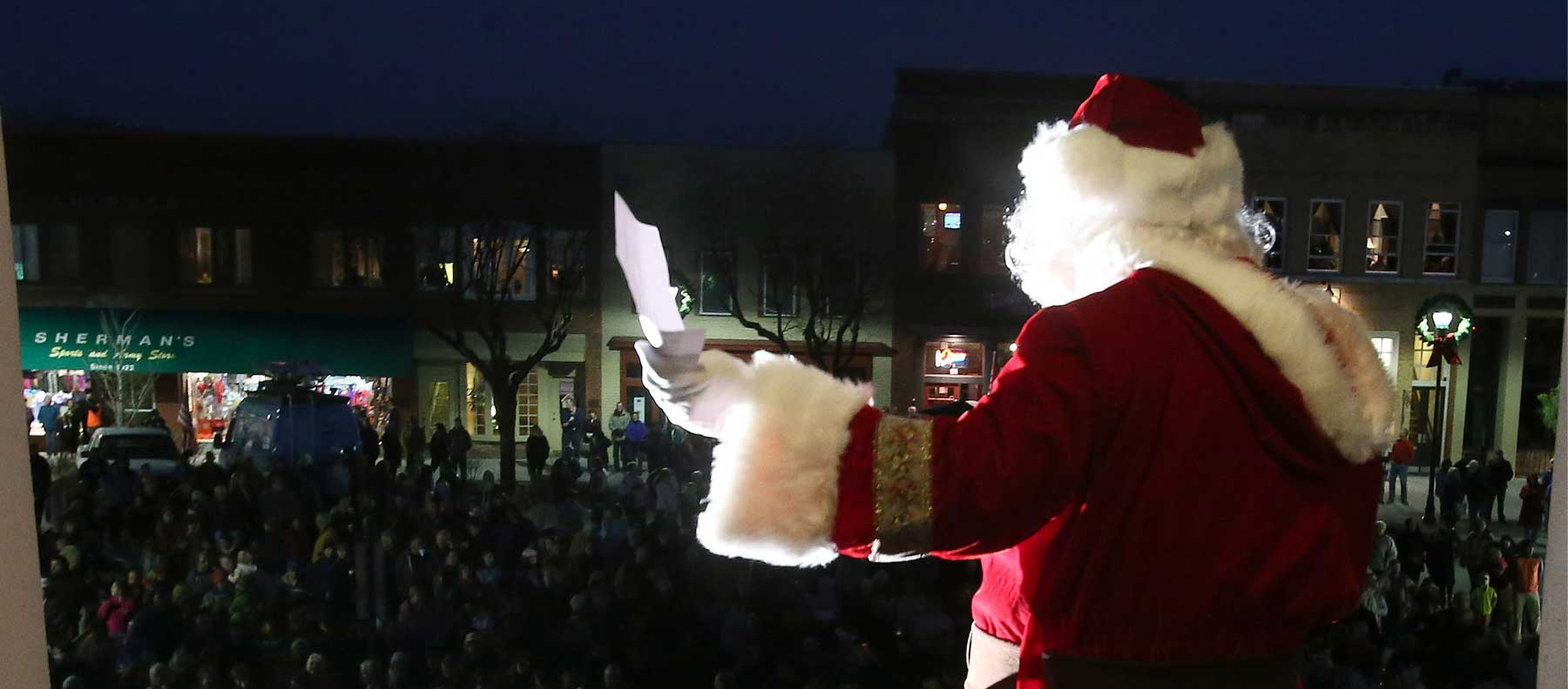 Downtown Hendersonville Street Lighting & Santa's Arrival