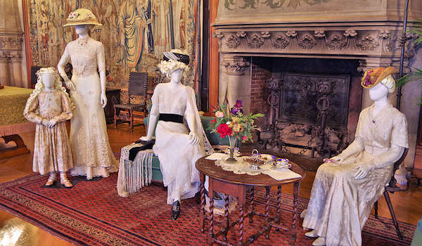 Biltmore Celebrates Spring 2018 with Tulips, Titanic Costumes & Outdoor Water Garden Exhibition